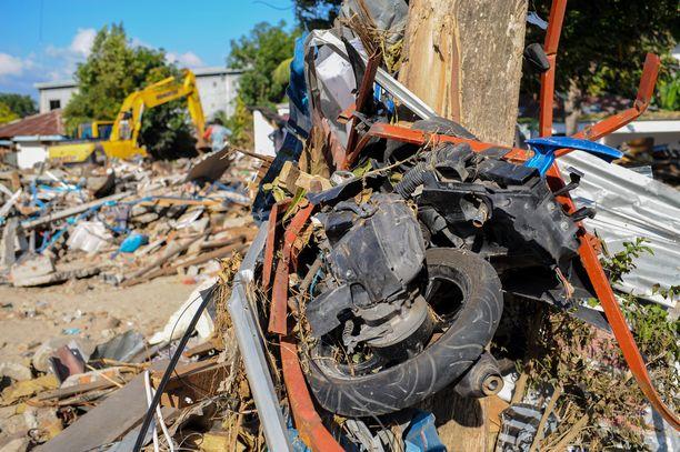 Maanjäristystä seurannut hyökyaalto teki pahaa tuhoa erityisesti Palun kaupungissa.