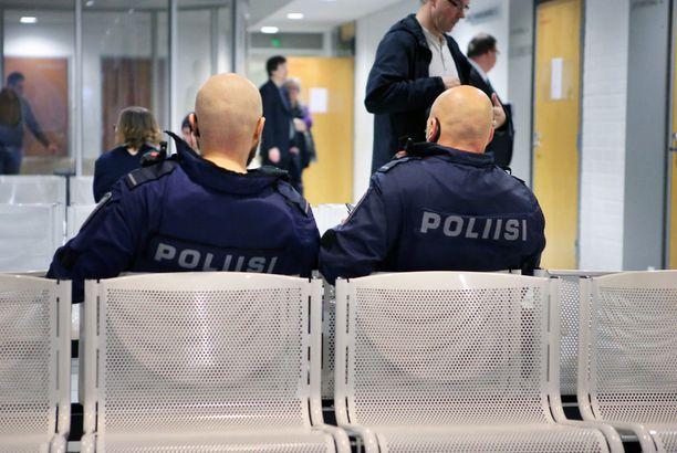 Oulun käräjäoikeudessa käsiteltiin lokakuun alussa pizzamafiaan liittyvää joukkotappelua.