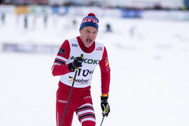 Ville Nousiainen hiihti sijalle kymmenen lauantaina Vöyrin SM-kisoissa.