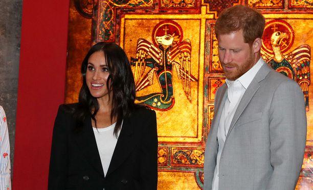 Herttuatar Meghan ja prinssi Harry ovat avioitumisen jälkeen uppoutuneet kuninkaallisiin velvollisuuksiin.