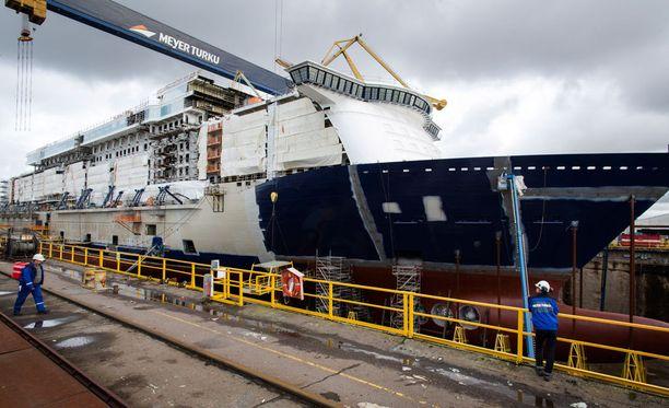 Laivanrakennuksen työllistävä vaikutus näkyy Turussa.