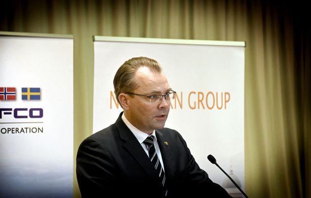 Puolustusministeri Jussi Niinistö (sin) kertoi tiistaina tiedotustilaisuudessaan hotelli Kalastajatorpalla keskusteluistaan Yhdysvaltain puolustusministerin James Mattisin kanssa.