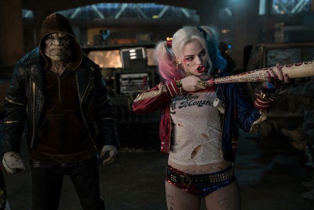 Margot Robbie (oik.) sai Letolta rotan.