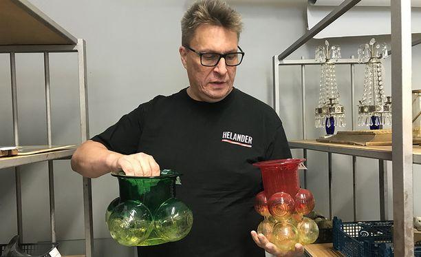 Värikäs lasi on alkanut kiinnostaa nuorempaa sukupolvea. Kuvan lasiteokset Nanny Still, Riihimäen lasi.