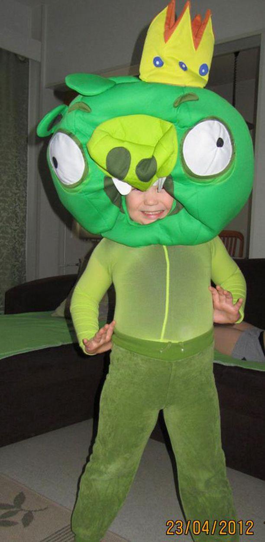 5-vuotiasta pikkuherraa inspiroi Angry Birds: Tässä itse kuningas!