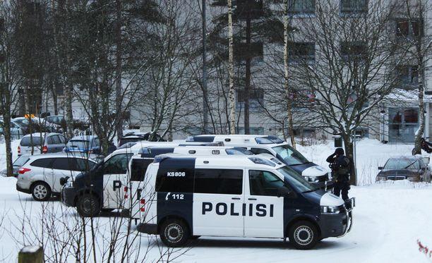 Poliisi sai hälytyksen Jyväskylän Muurainkuja 4:ssä sijaitsevaan kerrostaloasuntoon aamuyöllä.