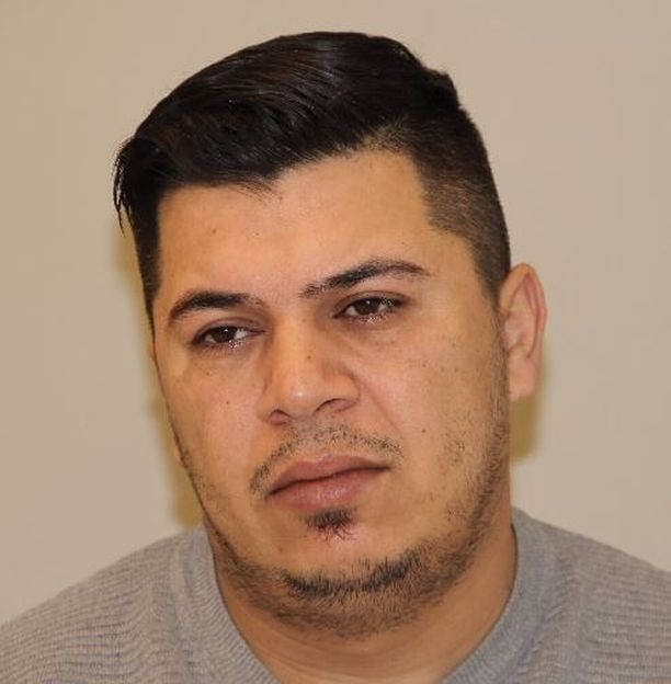 Hayder Abduljabbar Al-Hmedavi (kuvassa) on pakoillut poliisia sunnuntain ja maanantain.