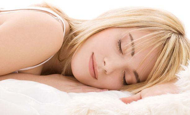 Hyvin nukuttu yö auttaa selvitymään tentistä paremmin.
