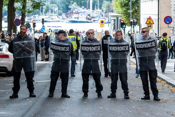 Pohjoismaisen vastarintaliikkeen mielenosoitus Tukholmassa vuonna 2018 elokuussa.