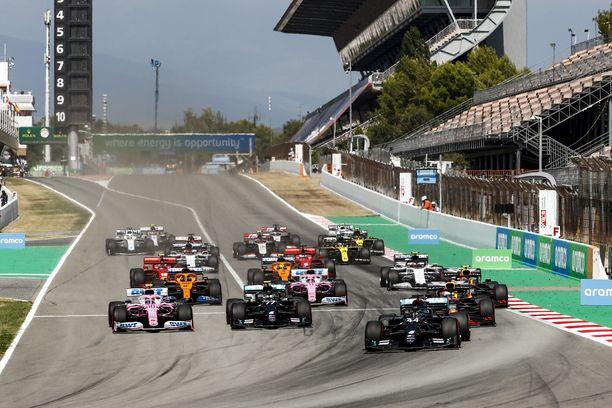F1 sai tallit jatkamaan sarjassa.