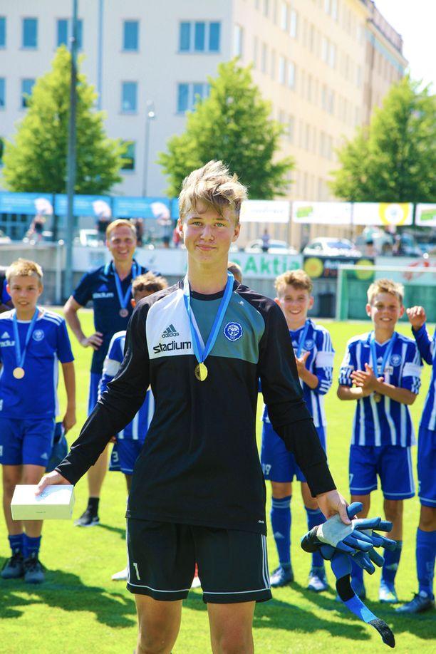 Joel Tynkkynen nousi HJK:n sankariksi B12-poikien sarjassa.