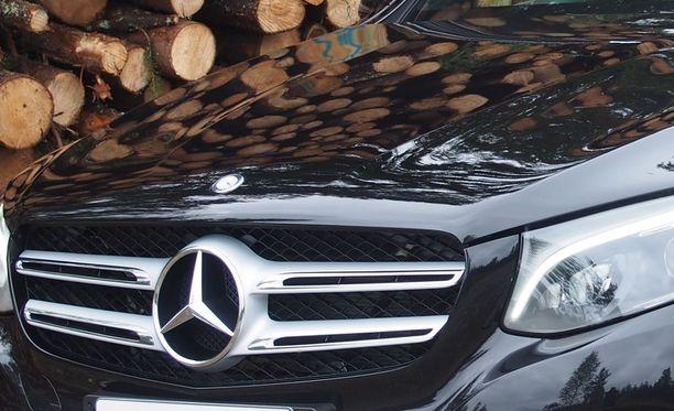 Kuvan Mercedes ei liity tapahtumiin. Arkistokuva.