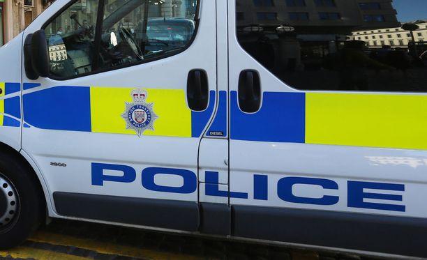 Lontoossa kolme ihmistä haavoittui maanantaina ampumisessa, kertoo poliisi.