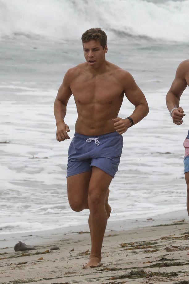 Joseph Baena on perinyt isänsä atleettiset piirteet.