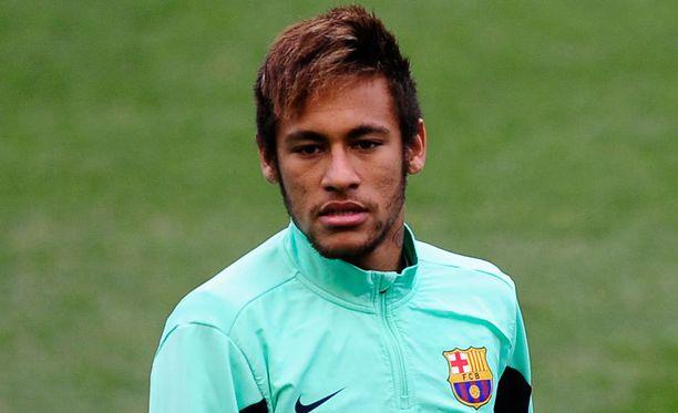 Neymarin siirto Santosista Barcelonaan on herättänyt epäilyksiä.