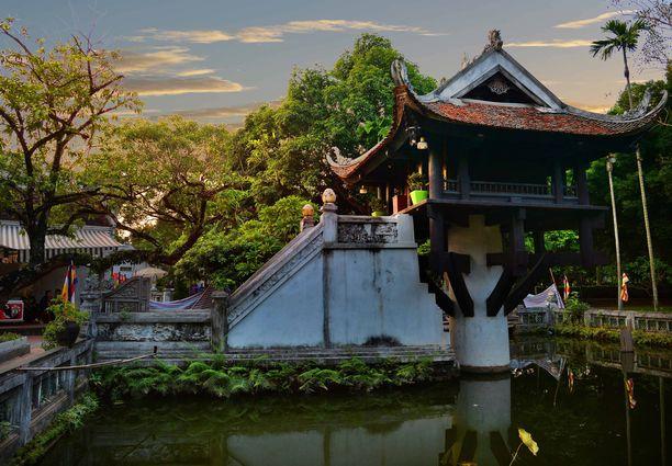 Nykyisen Hanoin alueella on ollut asutusta ainakin noin 5000 vuoden ajan. Pian siellä ajetaan myös F1-osakilpailu.
