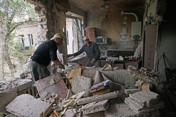Talo on tuhoutunut käytännössä kokonaan kranaattitulessa Donetskin alueella. Kuva kesäkuulta 2016.