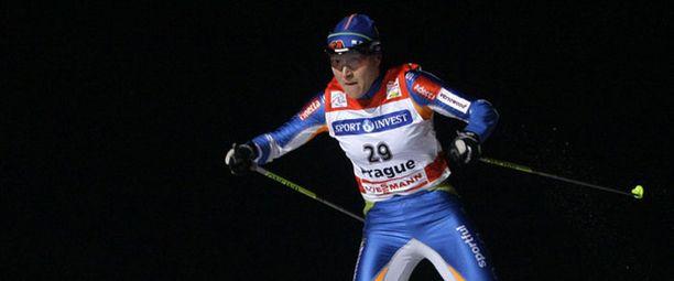 Aino-Kaisa Saarinen taisteli itsensä Tour de Skin johtoon Prahan sohjossa.