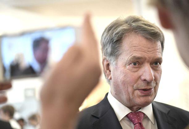 Presidenttikisan ylivoimainen suosikki Sauli Niinistö oli omilla lukemillaan myös Iltalehden ja Uuden Suomen kyselyssä.