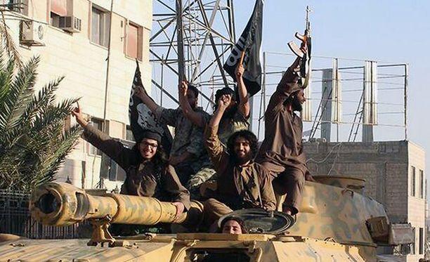 Isis-taistelijat ostavat ja myyvät nuoria tyttöjä seksiorjikseen.