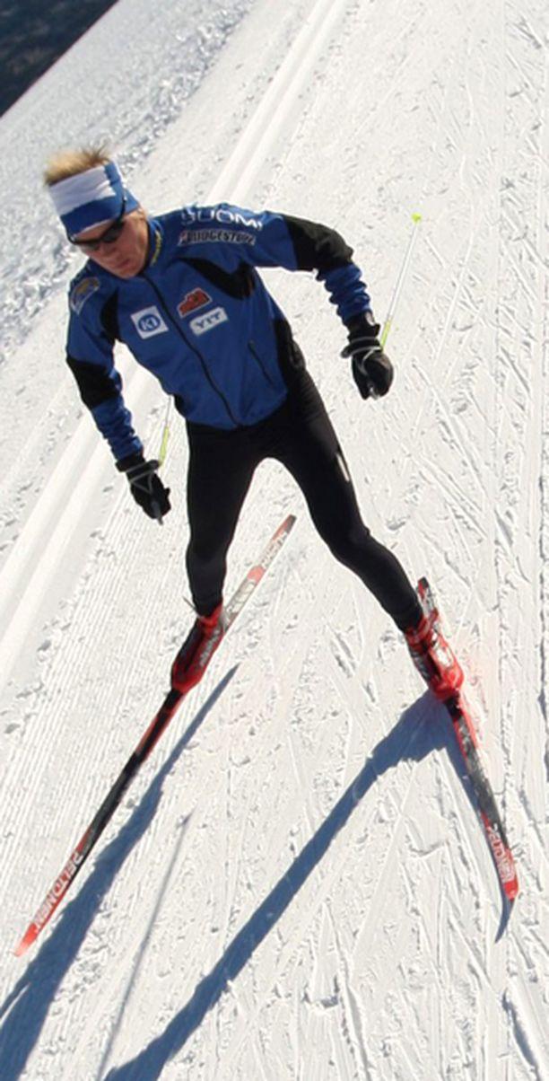 Ville Nousiainen jäi kilpailun voittajalle 12,8 sekuntia.