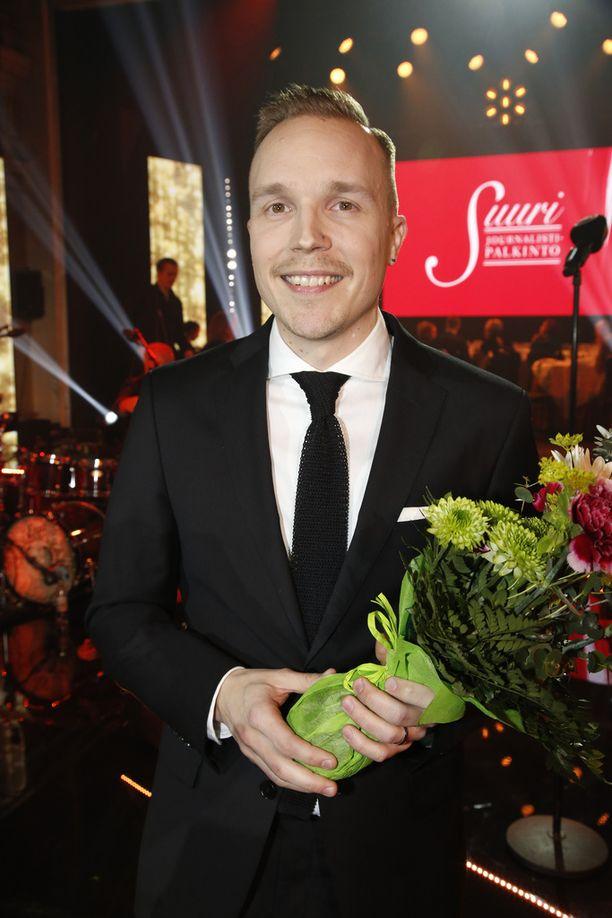 Olli Seuri valittiin vuoden 2017 journalistiksi.