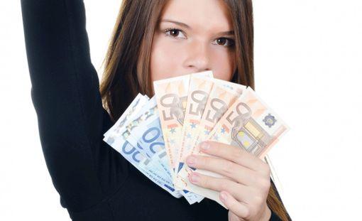 Suurin osa suomalaisista on huolissaan nuorten taloustaidoista. Kuvituskuva.