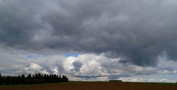 Kylmää ilmaa leviää koko maahan torstaihin mennessä.