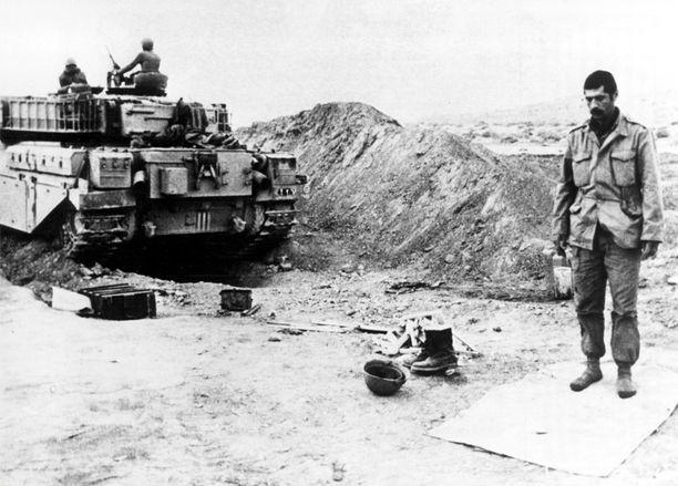 Iran ja Irak kävivät vuosina 1980-1988 verisen sodan, jonka aikana lännen tukema Irak valmisti kymmeniätuhansia kemiallisia asekärkiä. Kuva Khorramshahrista Iranista vuodelta 1980.