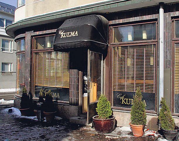 Johan Söderström meni tuttavansa 30-vuotisjuhlasta ravintola Kulumaan Kauppurienkadulle yöllä 17.helmikuuta.