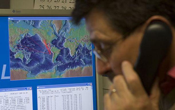 Tsunamin aiheutti aamulla sattunut voimakas maanjäristys. Kuva varoituskeskuksesta.