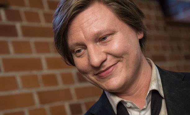 Jaajo Linnonmaa muisteli viettämäänsä vuotta Lapissa Hjallis Harkimon show'ssa.