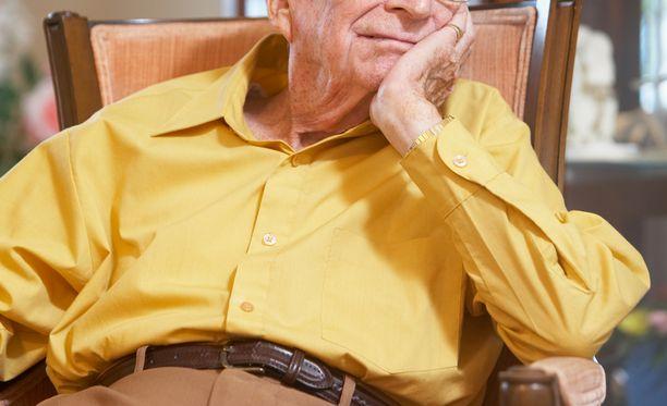 Yksinäisyys on yksi suurimmista vanhusten kohtaamista ongelmista. Kuvituskuva.