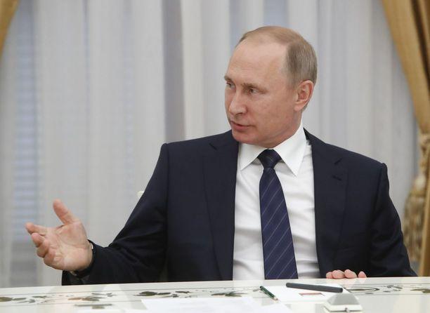 Presidentti Vladimir Putin tapaa Donald Trumpin ensimmäistä kertaa Saksan Hampurissa.