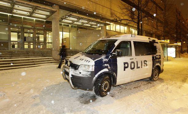 23-vuotias mies vangittiin epäiltynä osallisuudesta Jyväskylän kirjastopuukotukseen.