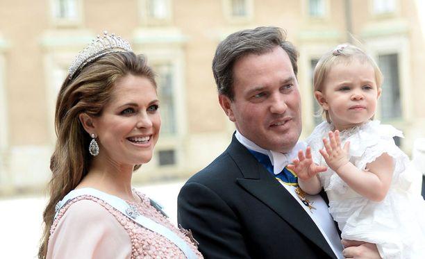 Madeleine, Chris ja Leonore edustivat kolmistaan kesällä Carl Philipin ja Sofian häissä. Pian häiden jälkeen perheeseen syntyi prinssi Nicholas.
