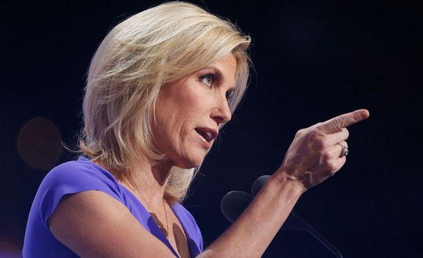 Fox-kanavan juontaja Laura Ingraham on verrannut vanhemmistaan erotettujen lasten sijoituskeskuksia kesäleireihin.