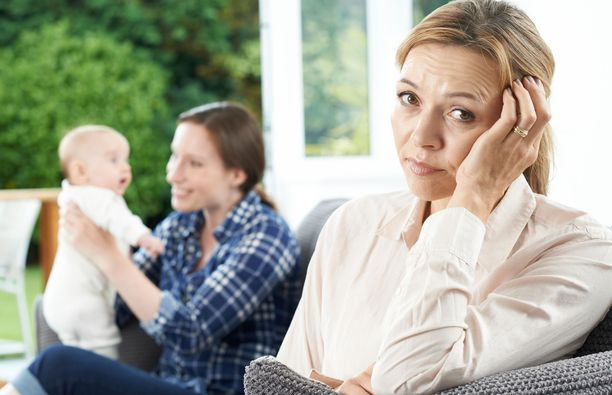 Moni nainen uskoo, että perhevapaa voi vaikuttaa uraan.