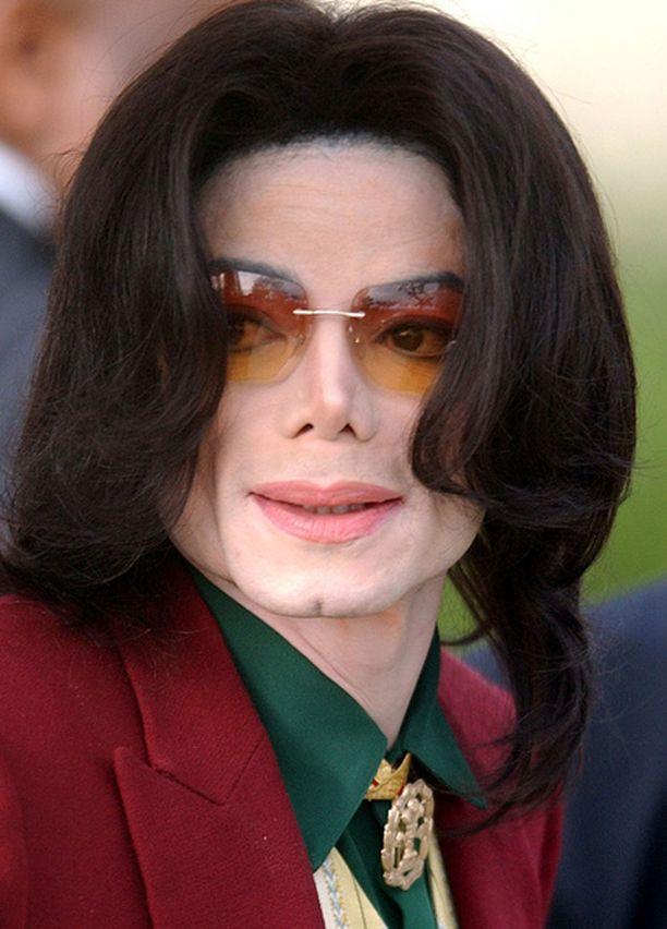 Michael Jacksonin lapset asuvat tällä hetkellä Michaelin äidin Katherinen luona.
