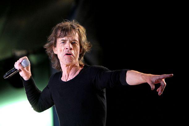 """Sir Michael Philip """"Mick"""" Jagger on tunnettu rockmuusikko. Jaggerilla on kahdeksan lasta."""