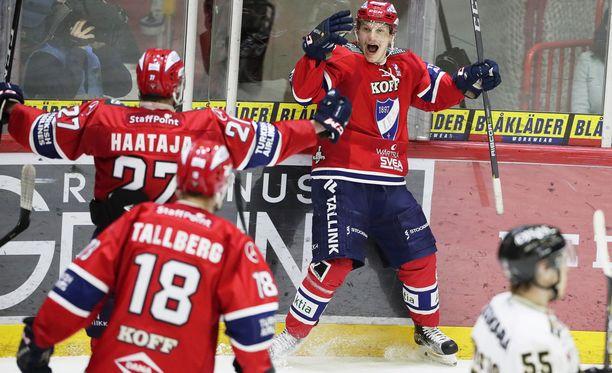 HIFK-pakki Teemu Eronen laukoi välieräsarjan 3-3:een ajassa 65.51 syntyneellä 4-3-jatkoaikamaalilla.