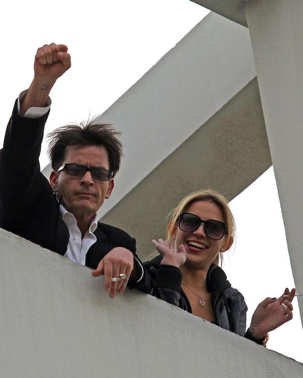 Sheen ja Kenly juhlivat yhdessä vuonna 2011.