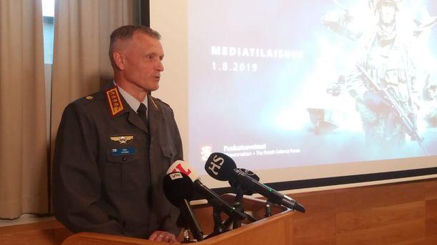 Timo Kivinen piti mediatilaisuuden torstaina iltapäivällä.
