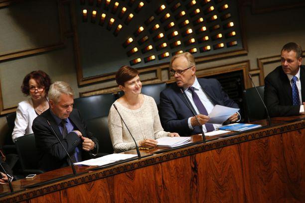 Työministeri Lauri Ihalainen eduskunnassa syksyllä 2014.