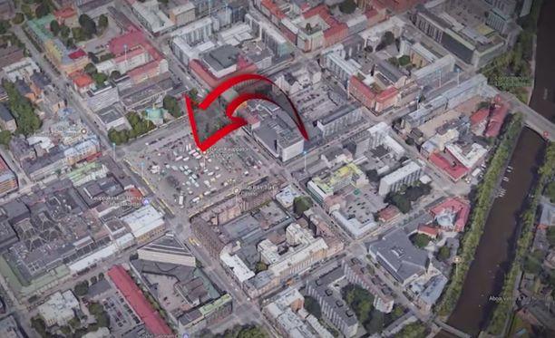 Poliisi sai hälytyksen Turun Kauppatorilla tapahtuneesta puukotuksesta perjantai-iltapäivänä kello 16.02.