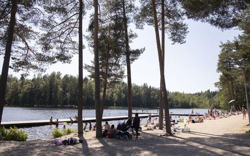 Vantaan Kuusijärven karmaiseva läheltä piti -tilanne tapahtui, kun uinninvalvoja ei ollut paikalla – kaupunki suunnittelee vartiointia rannalle