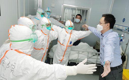 Mysteeristä pandemiaksi – näin koronavirus valloitti maailman