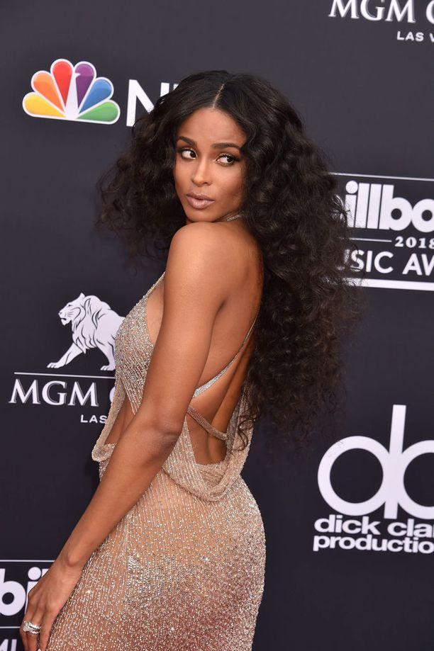 Ciara oli valinnut Billboard Music Awards -gaalaan rohkean asun.