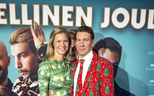 MTV: Aku Hirviniemi ja Sonja Kailassaari menivät kihloihin – Tuija Pehkosen tarkka huomio paljasti ilouutisen