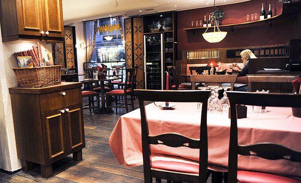 Etukorttia kysytään yhä useammassa ravintolassa.